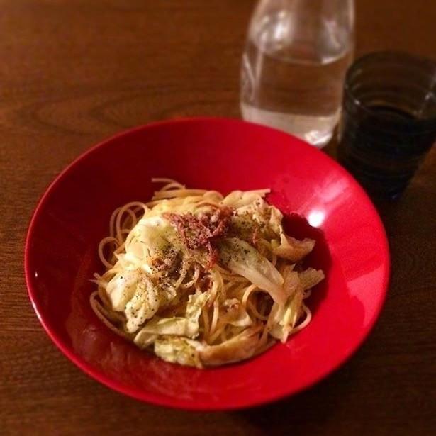 コンビーフとキャベツのペペロンチーノ