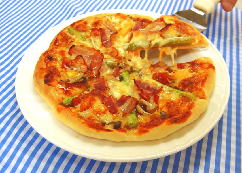 ホームベーカリーで簡単!「ピザ」