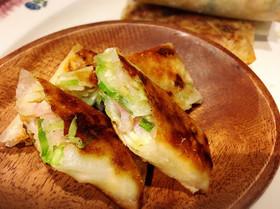 キャベツ・ベーコン・チーズで焼き春巻き