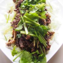 白菜と牛肉の黒酢ダレ和え