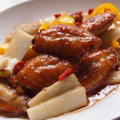 鶏手羽中と長芋の甘酢炒め