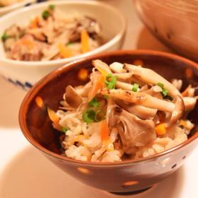 焼きキノコご飯*土鍋で簡単じわっと美味♪