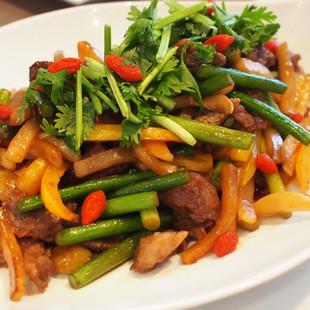 銀杏入り蕪(カブ)と牛肉の炒めもの