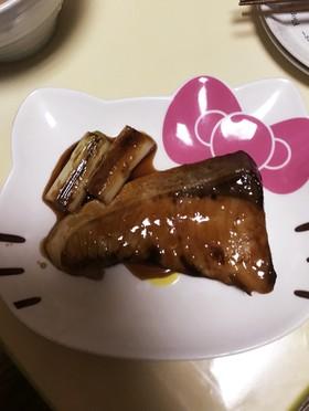 黄金比でブリの照り焼ε゜)))彡
