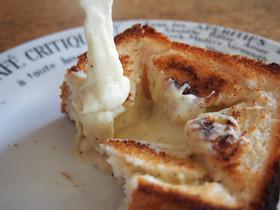 米粉パンでも!チーズフォンデュトースト