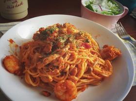 海老ときのことツナのトマトパスタ