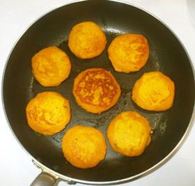 かぼちゃ餅♪簡単パンプキンパイ風おやつ