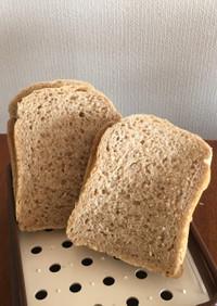 全粒薄力粉とライ麦グラハムの豆乳食パン