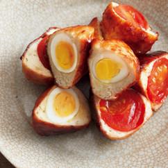 鶏のうずら卵・プチトマト包みつくね