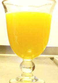 たくさん生姜の入ったパイナップルジュース
