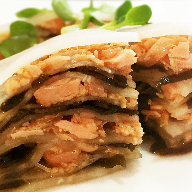 塩昆布と鮭フレークの大根ミルフィーユ