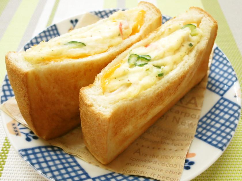 簡単朝食♡ポテサラチーズポケットサンド
