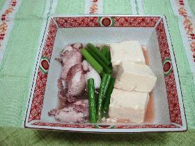 ひいかとニンニクの芽の豆腐煮