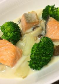 味噌と豆乳で作る鮭ときのこの和風シチュー