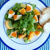 柿とパクチーのフルーツサラダ