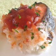 焼鮭の梅ダレご飯の写真