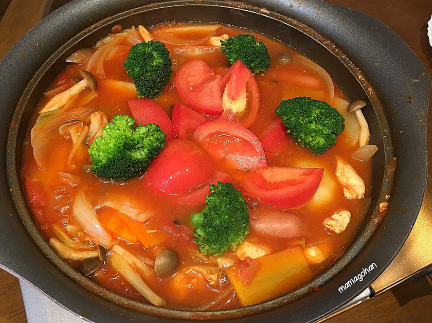 トマトたっぷりトマト鍋