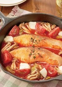 生秋鮭ときのこのトマトパッツァ