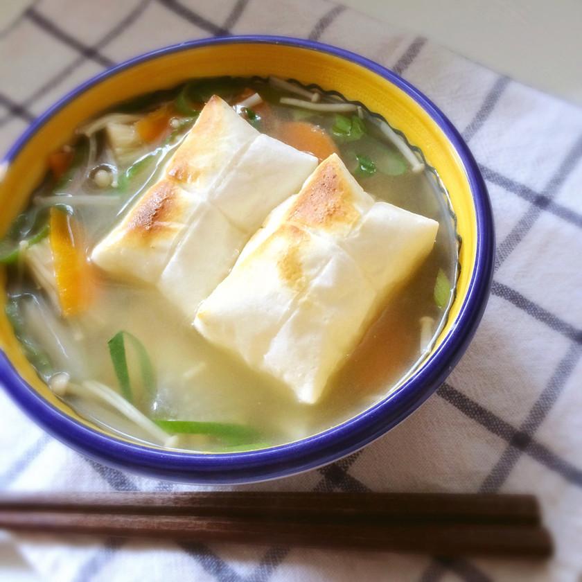 ダシダで野菜たっぷり雑煮スープ♪