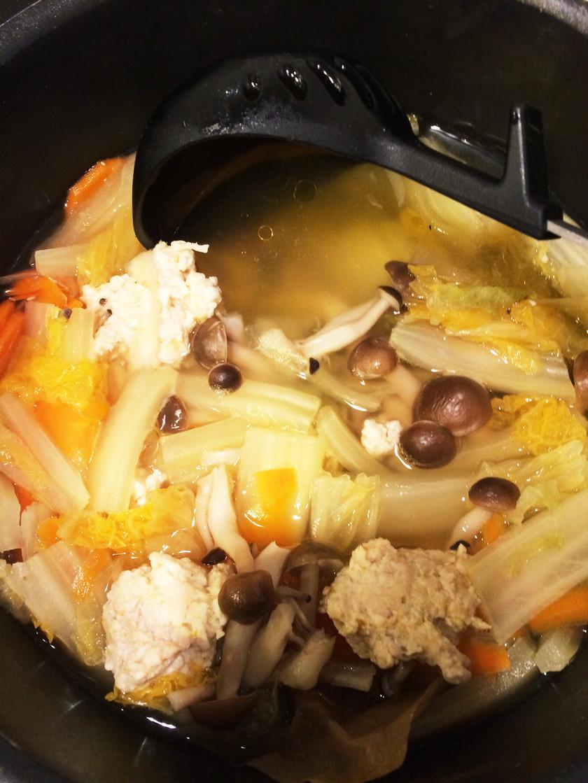 2歳児もたべやすい鶏団子鍋