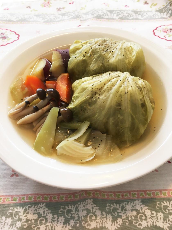 お野菜スープのロールキャベツ