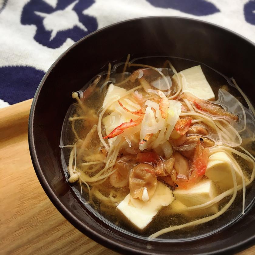 【海老香る♡】干しエノキと桜エビの味噌汁