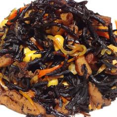 定番の常備菜: ひじきの煮付け