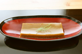 江戸時代のスイーツ 甘さスッキリ冷卵羊羹