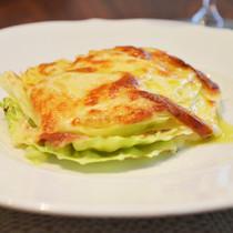 キャベツとスカモッツァチーズのオーブン焼き