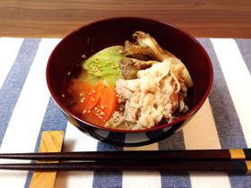 だし入り味噌*豚肉と野菜と舞茸の味噌汁