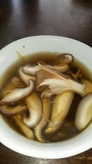 体ぽかぽかきのこと生姜の和風スープの写真