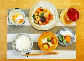 鶏肉と秋野菜の黒酢炒め