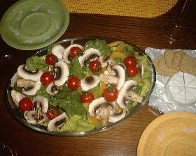 サラダ記念日の'かおるサラダ'