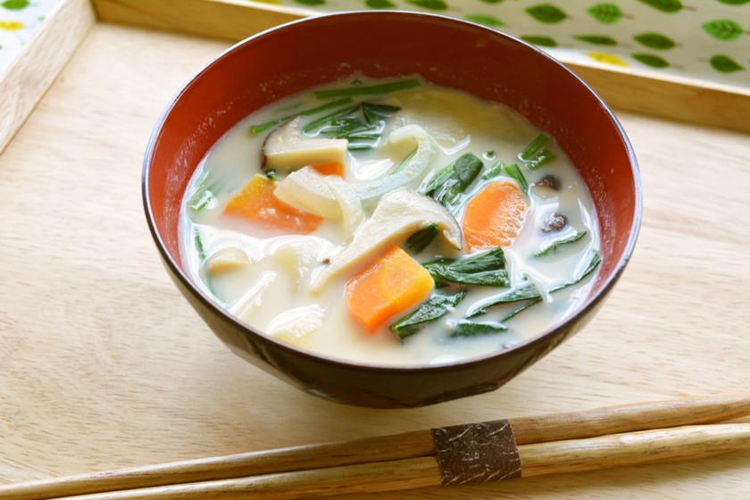 スキムミルク入りみそスープ