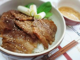 ガッツリ系!*焼き肉丼×溶きたまスープ*