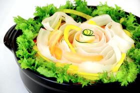 簡単ヘルシー!フリル野菜のハーブ鍋