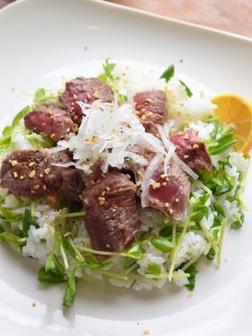 牛ステーキのサラダちらし寿司ガーリック+