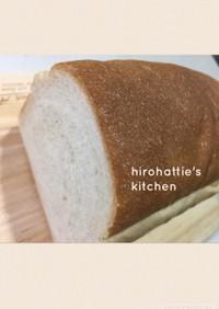 手ごね☆バターなし☆大麦ミニ食パン☆