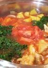 ケールとチキンときのこたっぷりのトマト鍋