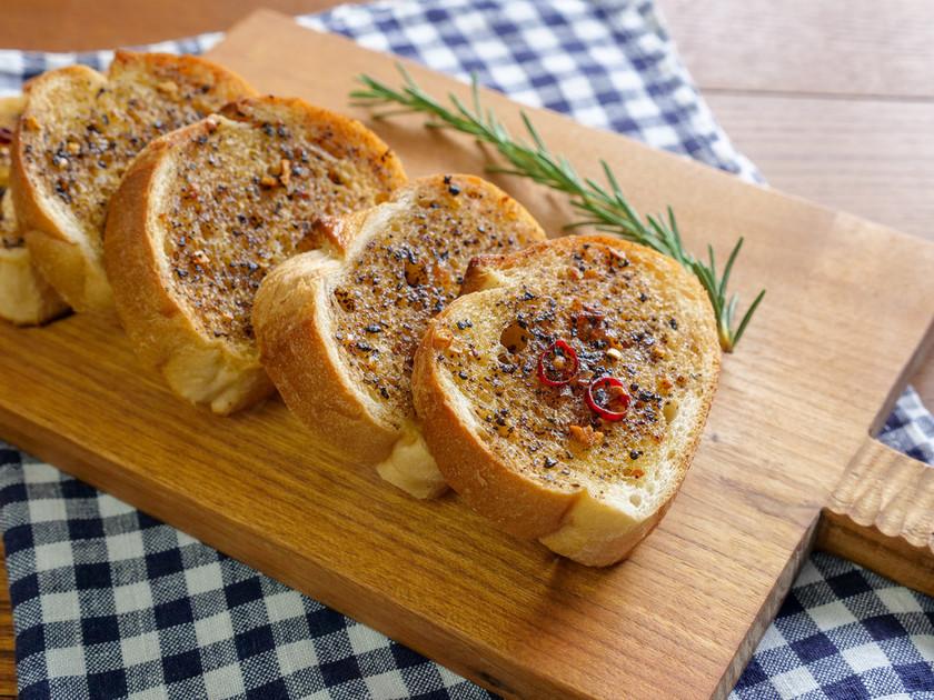 ガーリックトースト(発酵旨味オイル)