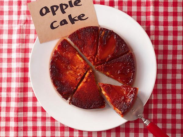 キャラメルりんごのアップサイドダウンケーキ