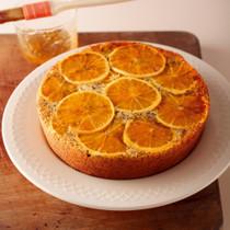 オレンジとポピーシードのアップサイドダウンケーキ