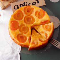 アプリコットとホワイトチョコのアップサイドダウンケーキ