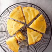 メロンとライムのクリームチーズアップサイドダウンケーキ