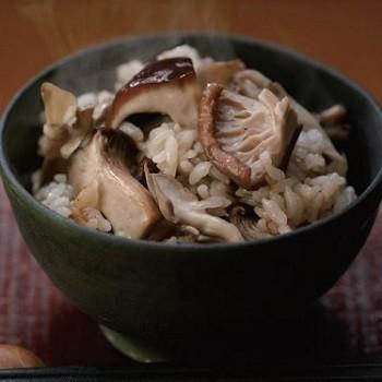 椎茸だしの炊き込みご飯
