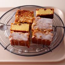 アーモンドとクランベリーのアップサイドダウンケーキ
