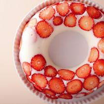 いちごミルクアップサイドダウンケーキ
