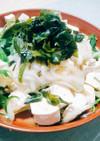 酢玉ねぎの豆腐わかめサラダ