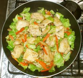 鶏肉と野菜炒め♪ローストチキンのタレで