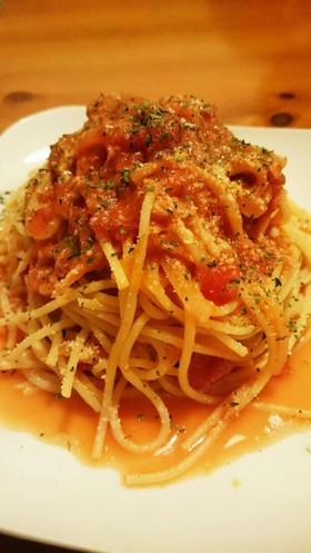 トンノロッソ風(トマト缶とツナのパスタ)